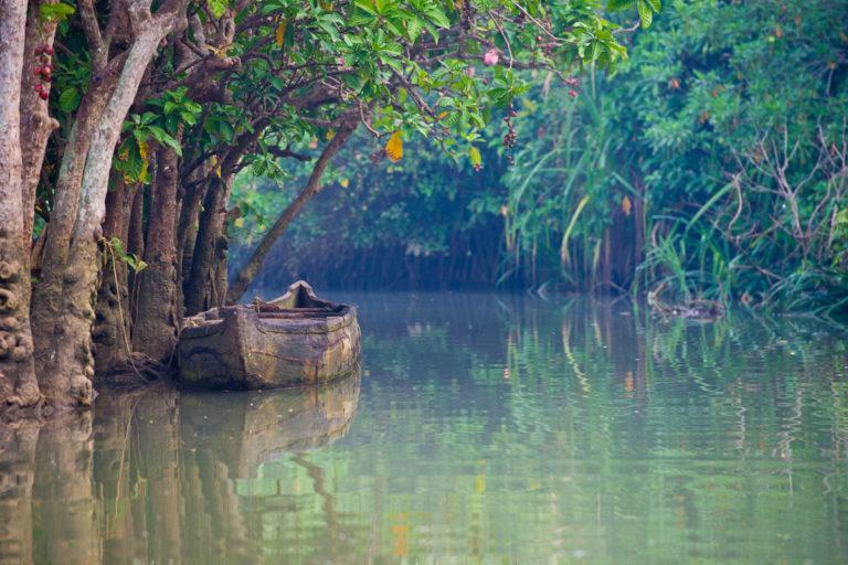 Fotoreise, Bengaltiger, Fischerboot in Sued-Indien