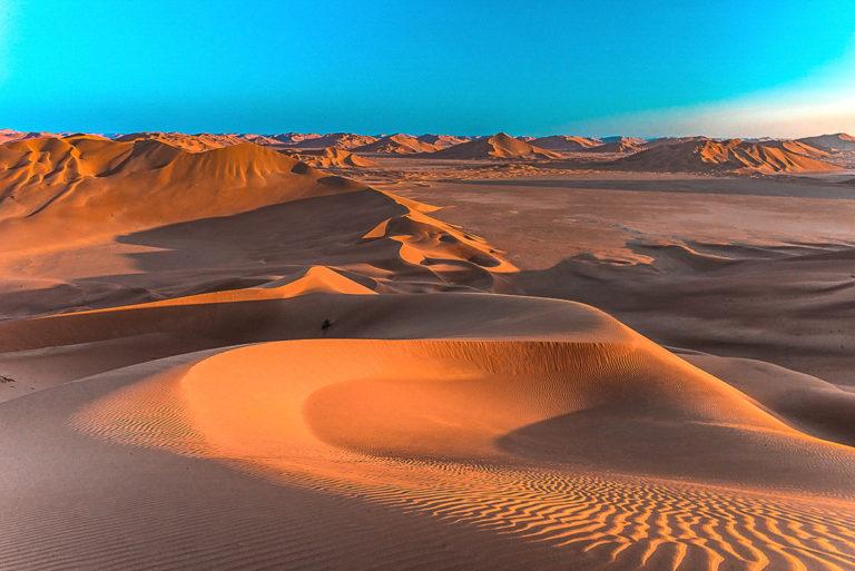 Morgenstimmung in der Wüste im Oman, wunderschönes Licht