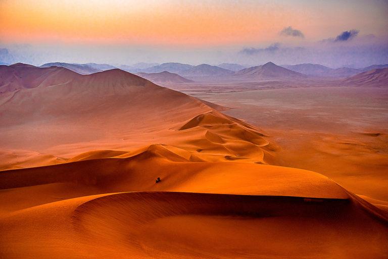 Sonnenaufgang tief in der Rub al Khali, im Oman