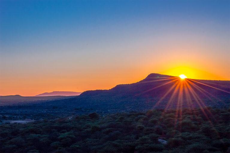 sonnenaufgank okonjima namibia