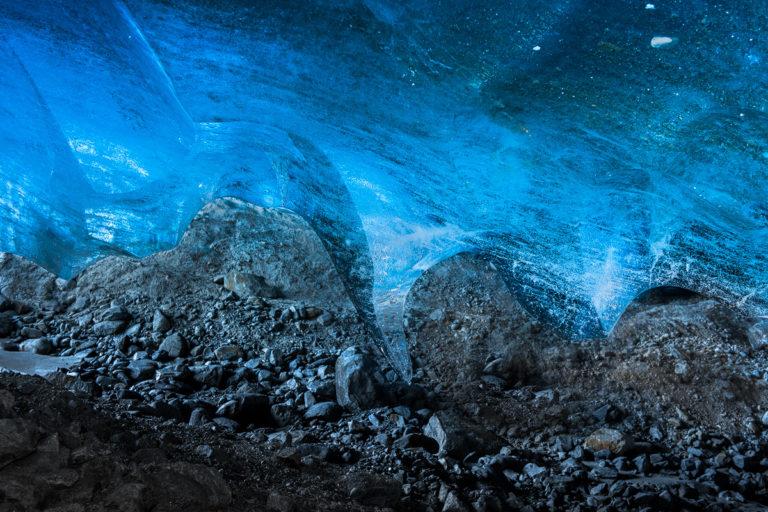 Eismesser tief unter dem Gletscher
