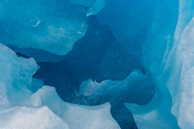 Tief im Eis, unter dem Gletscher