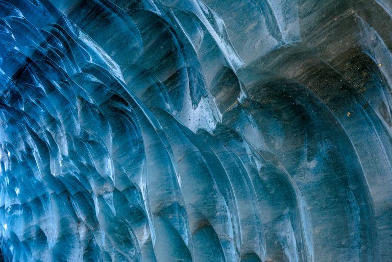Tief im Gletscher, Eisoberfläche