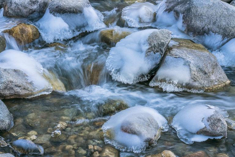 Eisfluss in Ullay, Ladakh, Indien