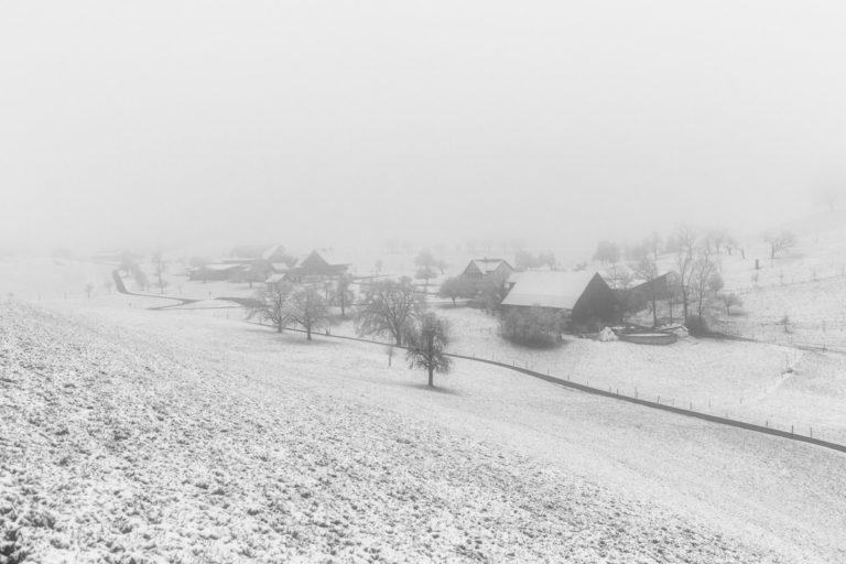 Winter auf dem Bauernhof am Hirzel