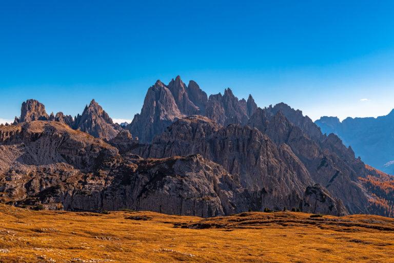 Dolomiten Felsnadeln, Herbstsaison, wandern
