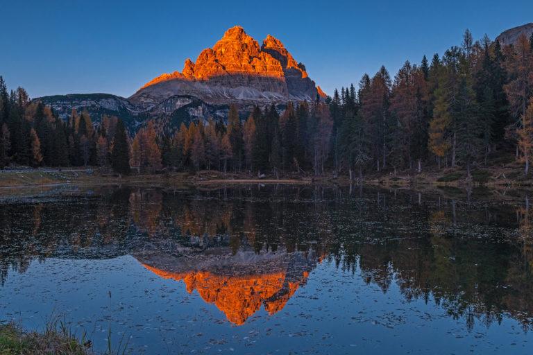 Dolomiten tre cime di Lavaredo, Sonnenuntergang, Spiegelung im See