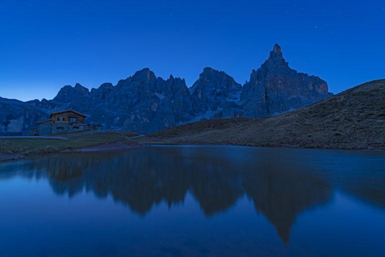 Dolomiten, Passo Rolle, Baita Segantini, Morgenerwachen