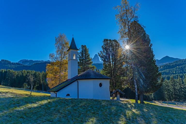 Dolomiten Kapelle, Passo Rolle, Herbst, Tirol