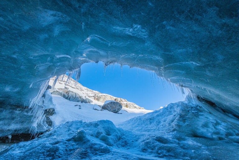 morteratschgletscher eingang zur gletscherhöhle